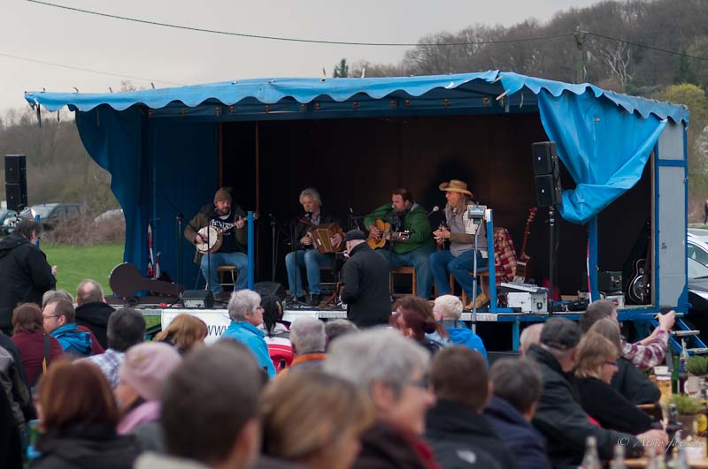 06 folk am fluss 2013
